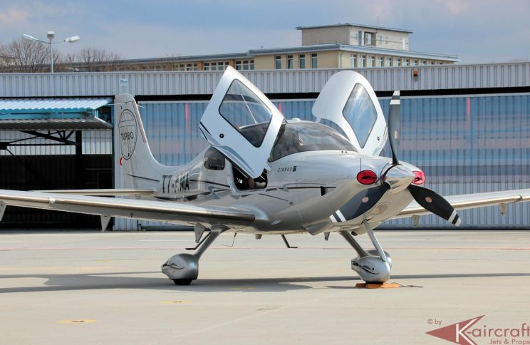 Airplane-for-sale-Cirrus-SR22